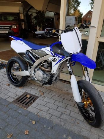 Yamaha yzf450 supermoto met talon wielen