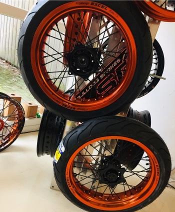 Supermoto wielen KTM EXC oranje Excel