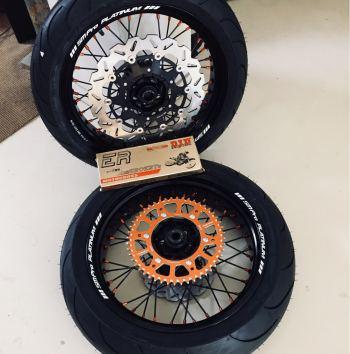 SMPro supermoto wielen KTM EXC zwarte spaken met oranje nippels