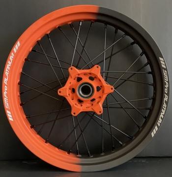 SMpro dual color velgen Cerakote Oranje Cobalt met zwarte spaken.